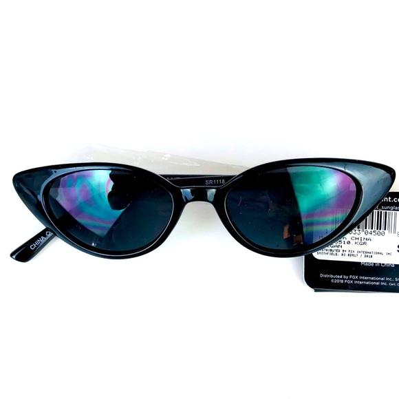 Foster Grant Sunglasses Cat Eye Lenses Black Frame